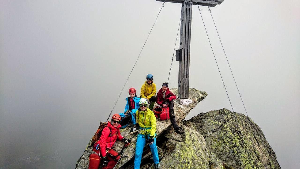 Klettersteig Tegernsee : Ballunspitze m über den klettersteig silvapark galtür cat