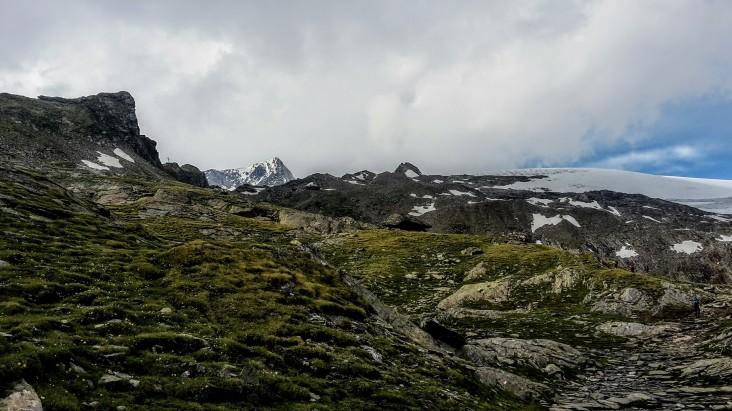 Blick auf das gut getarnte Defreggerhaus (2963m)