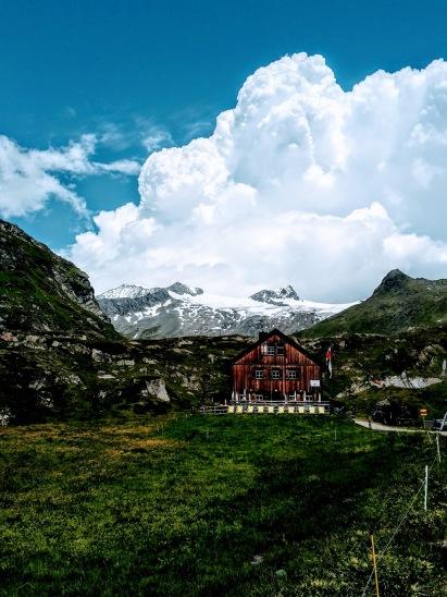 Johannishütte (2121m)