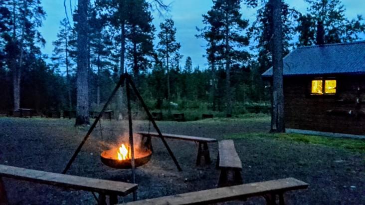 11.30pm: Lagerfeuer, Moskitos & Ich