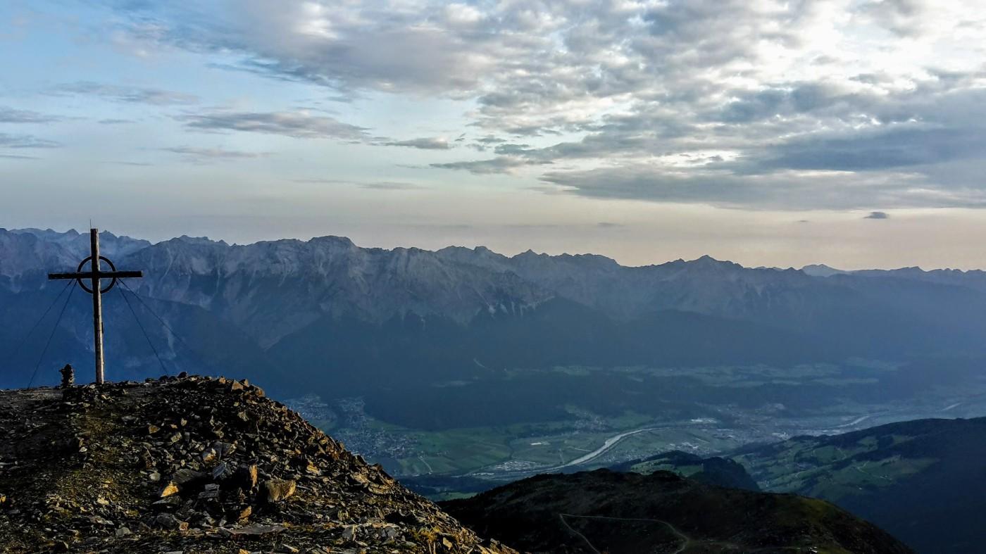 Panorama Gratwanderung: 7 TuXer Summits – bergseensucht