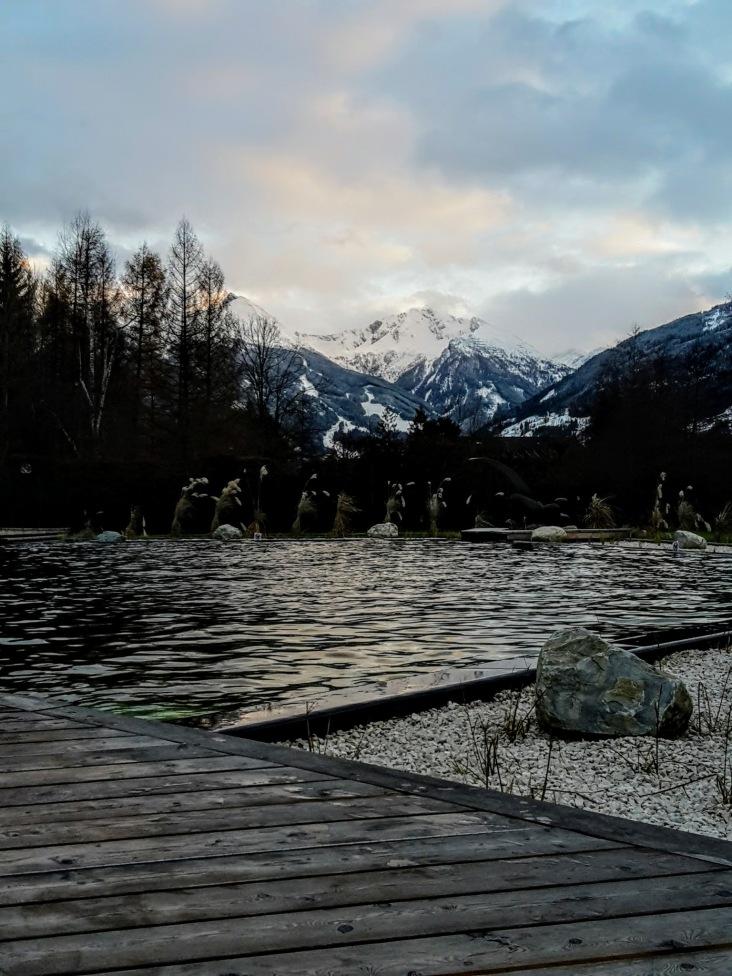 Sauna Exklusiv: Kristall-Thermalwassersee in der Alpentherme Hofgastein