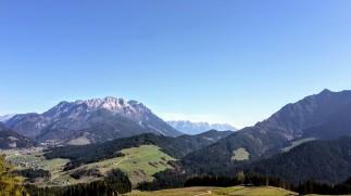 Blick auf die Leoganger Steinberge & Steinerne Meer beim Aufstieg