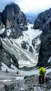 Abstieg in den steilen Kesselkogel