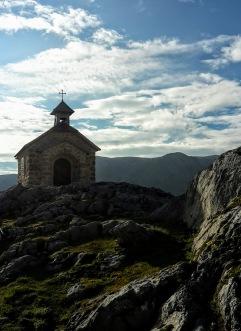 Dachstein-Kapelle im Morgenlicht