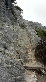 Steinstufen beim Aufstieg
