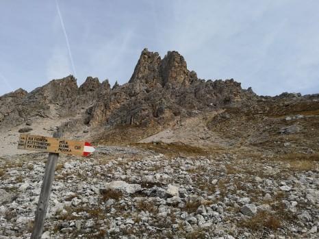 An der Bergstation Zustieg zum Klettersteig