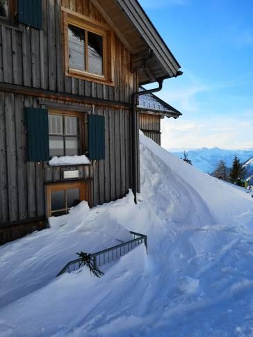 Loserhütte, Vordertür nicht benützbar