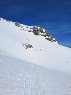 Unterhalb des Mitterstein statt über den Gipfel gequert