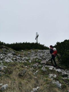 Das massive Kreuz am Traunstein