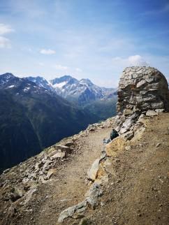 Klo mit Ausblick am Monte de Rezze 2958m