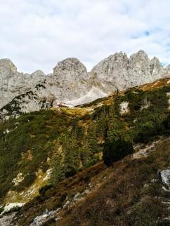 Gruttenhütte beim Aufstieg