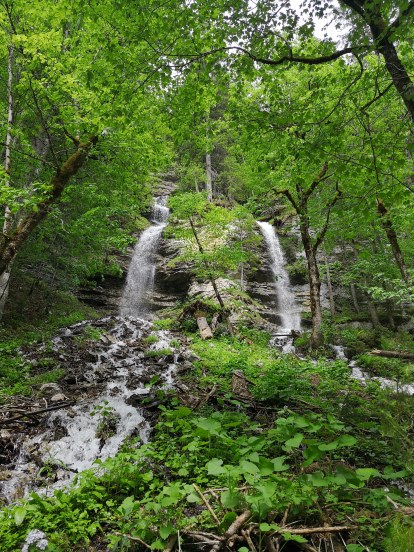 Doppel-Wasserfälle, wo sonst keine sind