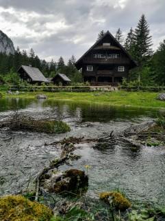 Juni 2019 - die Lacke reicht bis zum Jagdhaus!