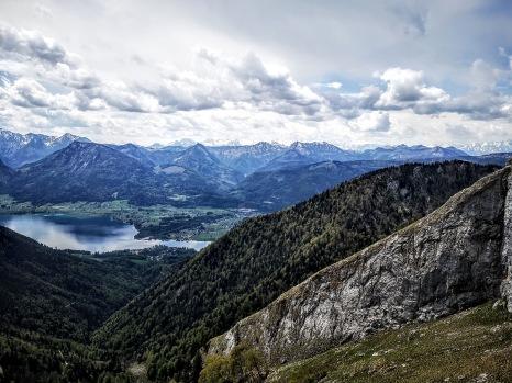 Blick über Wolfgangsee ins Tennengebirge