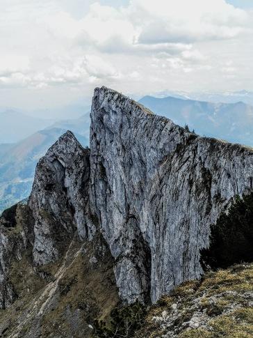 Spinnerin 1750m (wer entdeckt die 3 im Aufstieg?)